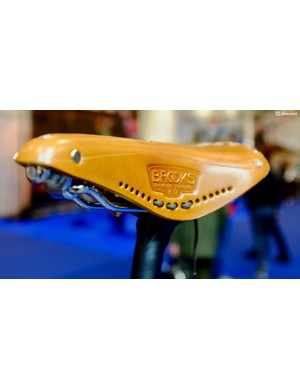 A Brooks saddle adds a whole lot of classic looks