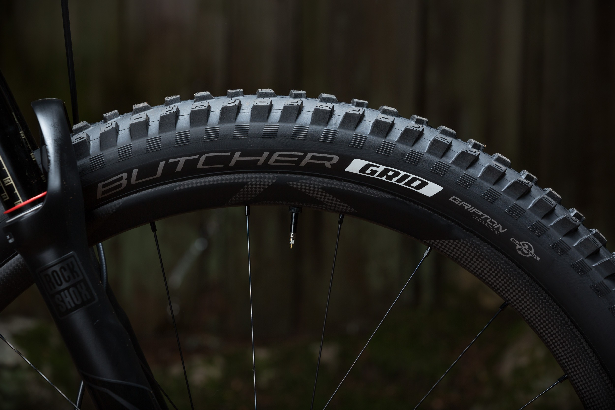 The huge 2.6in Butcher tyre adds comfort and traction but will only be available on the 650b model sold in the USA