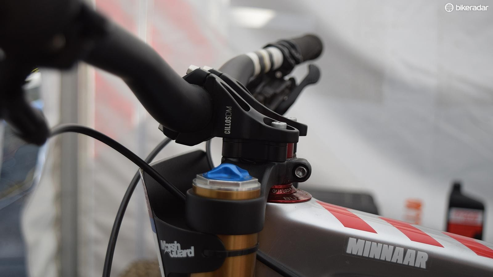 Greg Minnaar still uses a generous spacer under his stem (we'd guess at least 10mm) along with a 28mm rise bar