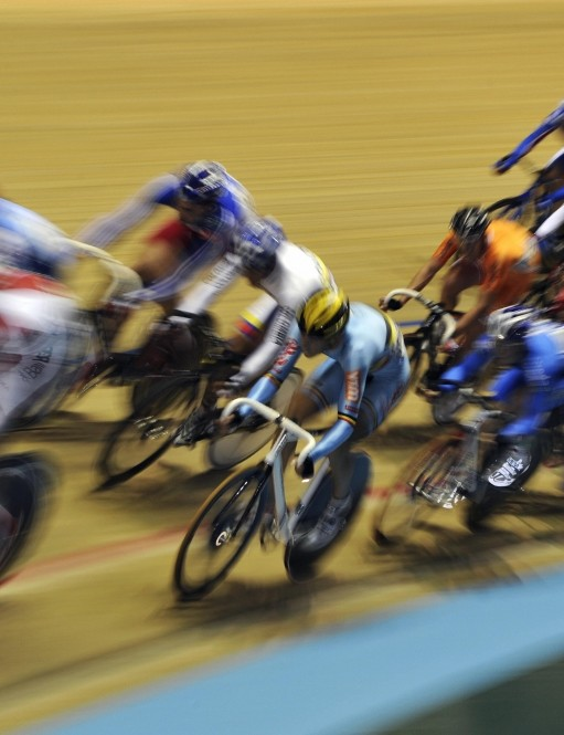 Hectic action from the scratch race