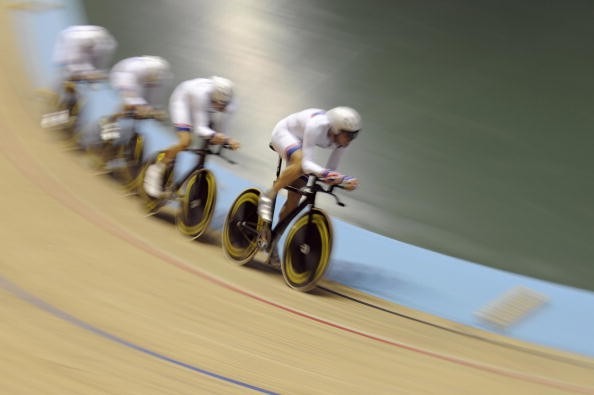 GB mens pursuit team in action on their way to gold