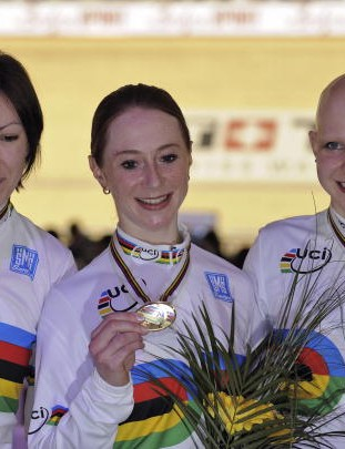 Britain's Rebecca Romero, Wendy Houvenaghel and Joanna Rowsell with their gold medals.