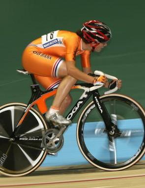 Vos racing toward victory on Saturday.