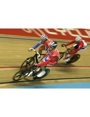 wiggins and Cavendish whipping in up in the Madison Saturday.