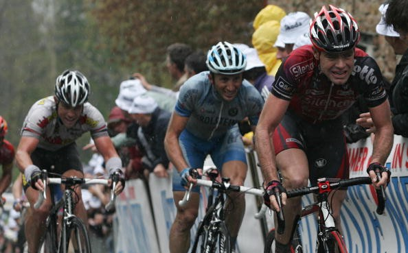 Cadel Evans (R) powers ahead in the Fleche Wallone Wednesday.