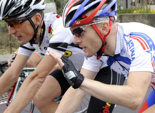 American Levi Leipheimer (R) chats with fellow time trial ace Marco Pinotti during the Giro.
