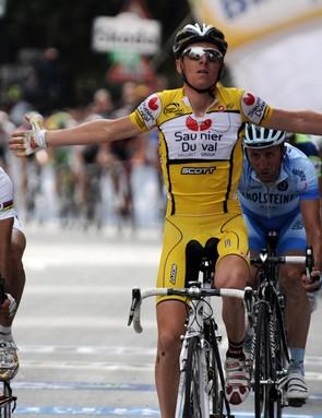 Riccardo Ricco wins stage 8 of the Giro