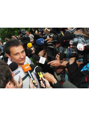 Liquigas spokesman Roberto Amadeo talks to the media Friday evening.