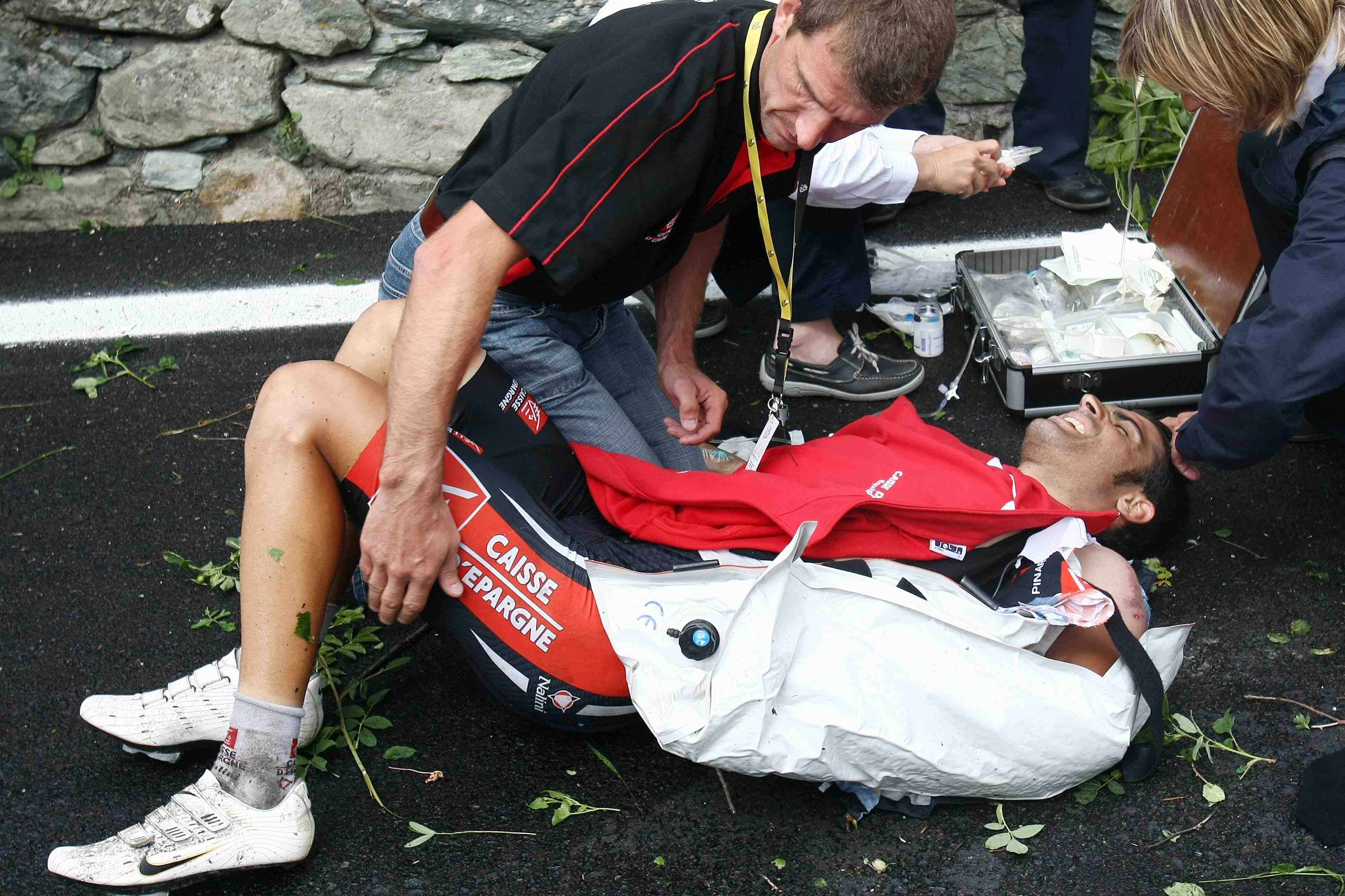 Spain's Oscar Pereiro crashed out on Stage 15 into Italy.