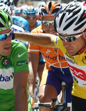 History in the making: two Spaniards on the final jersey podium in Paris?