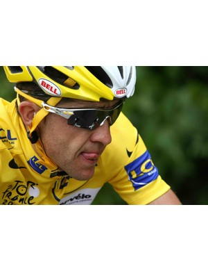 Carlos Sastre aims to keep yellow all the way to Paris.