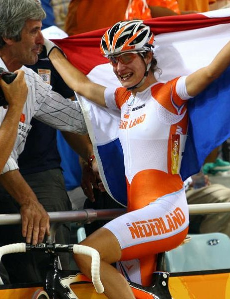 Marianne Vos celebrates her Olympic win