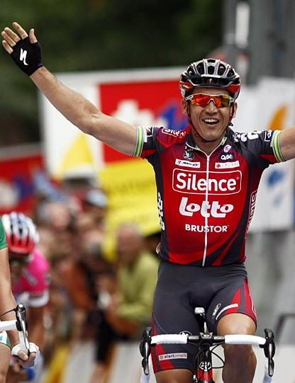 Robbie McEwen wins the Vattenfall Cyclassics