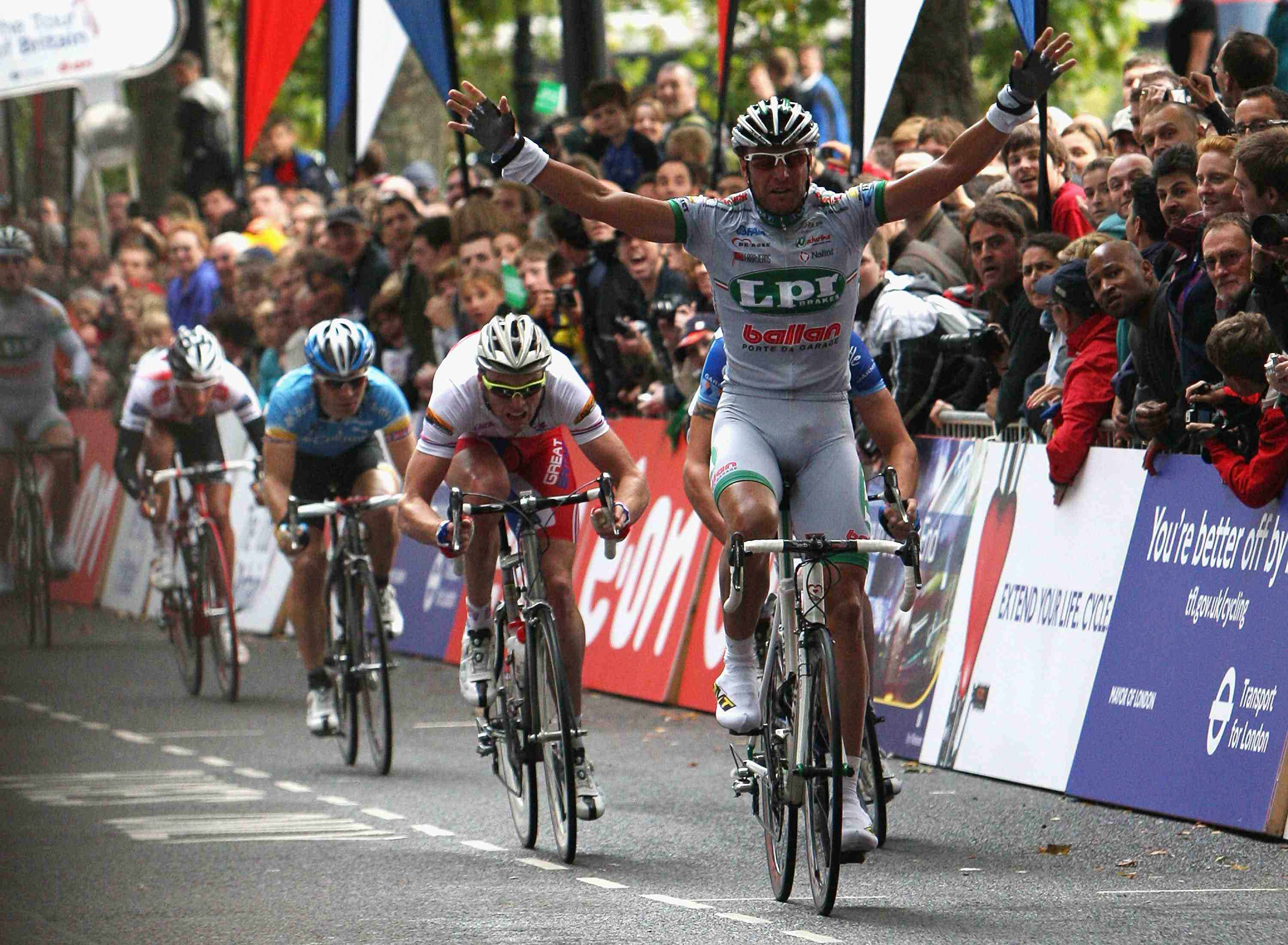 Italian sprinter Alessandro Petacchi made his triumphant return in the 2008 Tour of Britain, winning three stages.