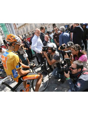 Spain's Egoi Martinez is photographed before the start the 12th stage of the Tour of Spain between Burgos and Suances, on September 11, 2008.