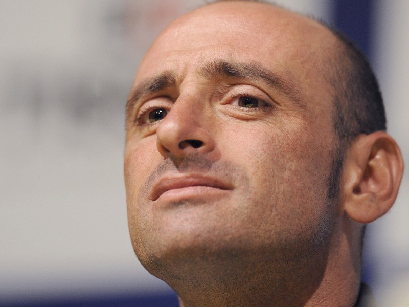 Paolo Bettini told a press conference today that he was ending his career after the world championships