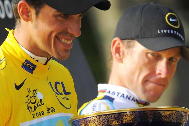 Lance Armstrong (R) is preparing to challenge Tour champion Alberto Contador in 2010