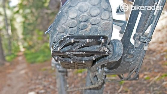 The Crampon Mountain pedals are sized well for my Euro size 46 shoes
