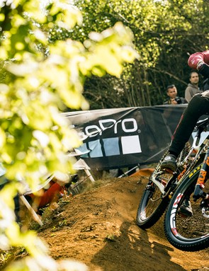 Loris Vergier rode his 29er to 1st place in qualifying and the fastest time of the weekend in Lourdes. A sign of things to come?