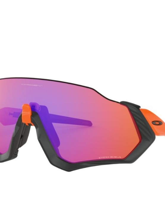 These Oakley Flight Jackets with Prizm Trail lens are 44% off