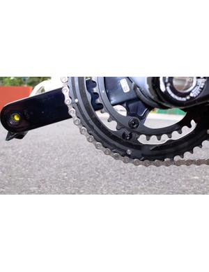 The 8-bolt fixing system accepts the most common chainset combinations and increases chainring rigidity