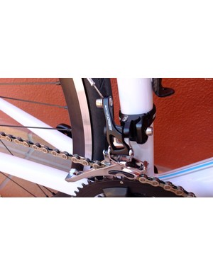 The front mech borrows its cage design and longer cable pull lever from Super Record