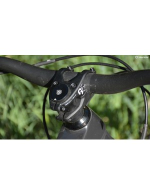 Canyon's own G5 stem and bar lead the way