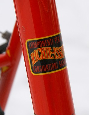 Custom 'PegoRichie' tubing is made by Columbus and brazed into short point lugs of Sachs' own design