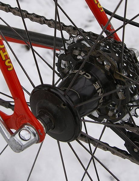Kenzer's bike was also equipped with a now-defunct Cane Creek Volos wheelset which uses the company's unique hub flange design originally developed by Cronometro