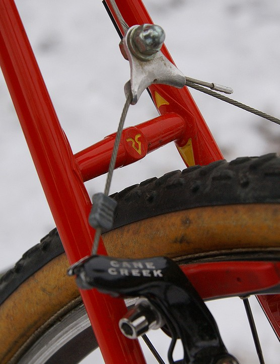 The seatstay bridge is brazed-on separately and is in keeping with the overall aesthetic