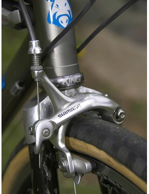 The long reach Shimano brake calipers are needed to clear the giant tyres.