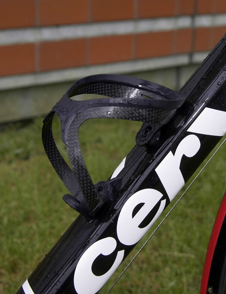 Cervélo's 'squoval'-shaped tubessupposedly offer the best combination of light weight and stiffness. Naturally, the bottle cages are carbon, too