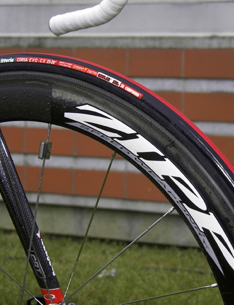 Schleck's bike was fitted with versatile Zipp 404 wheels and Vittoria's ubiquitous Corsa EVO-CX tubulars when we caught up with him