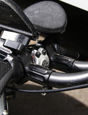 A pair of HED clip-on aero bars was fitted to the Bontrager Race X Lite Carbon base bar.