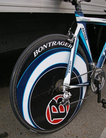 Leipheimer used a Lightweight wheel from Germany's CarbonSports, with a giant Bontrager decal.