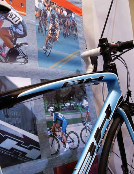A curved top tube adds a bit of style but also a bit of vertical flex.