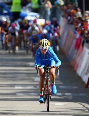 Bastianelli keeps the peloton at bay