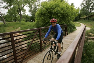 Healthy bike commuting habits take discipline.