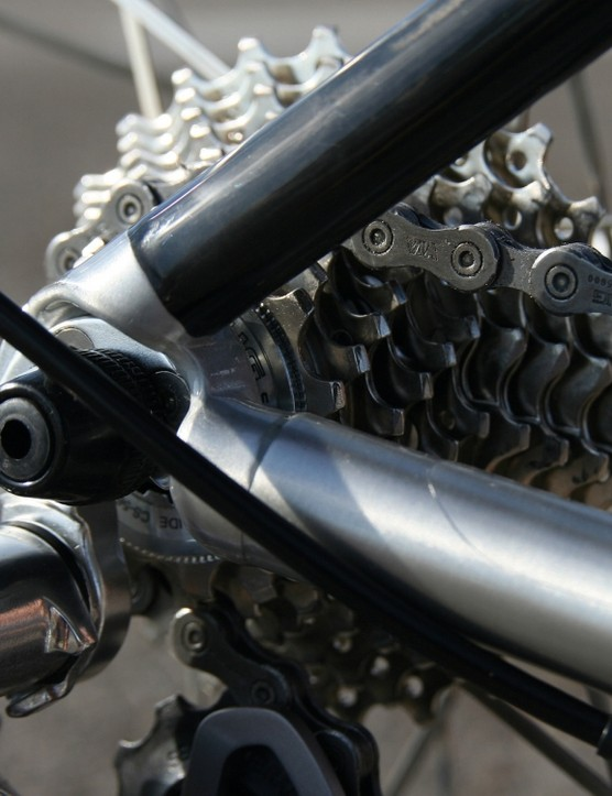 Aluminium chainstays meet carbon seatstays