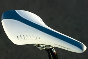 Fizik Arione saddle