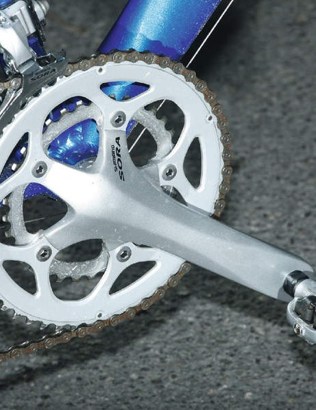 Nice to see Shiamno components, including this Sora compact crank.