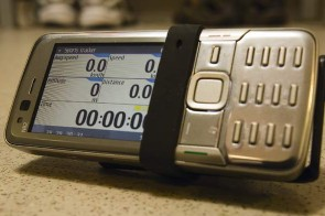 Mount the Nokia N82 on your handlebars, and you've access to the Sportstracker features.