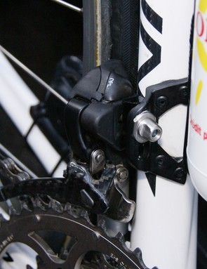 Likewise, the front derailleur appears the same as in previous sightings.