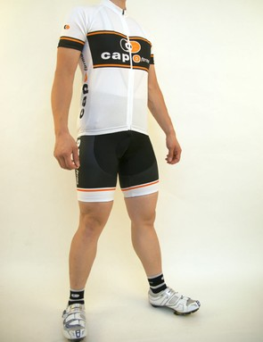 The Capoforma M1 jersey and bib shorts provide a more classic look.