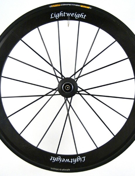 The rear wheel is fitted  with 20 spokes laced in a one-cross pattern.