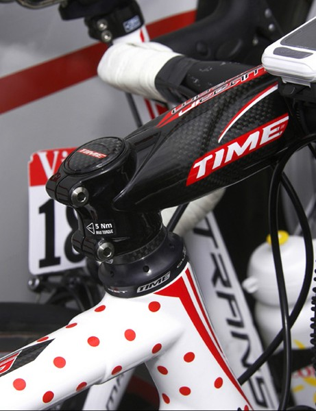 Time's headset requires no compression plug to preload the bearings