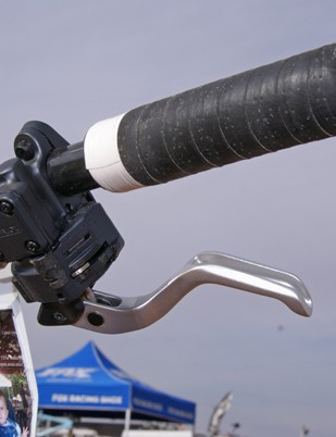 The tabs that once held thumb paddles on the XTR Dual Control levers are cleanly filed off.