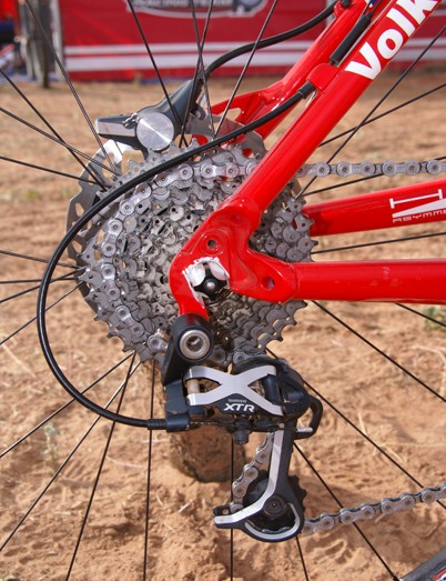 An XTR Low Normal rear derailleur is mated to the Dual Control levers.