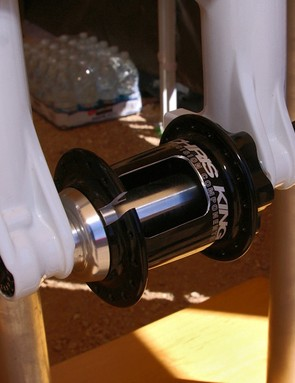 …and the other using the existing 20mm thru-axle one.Both axles will be offered as retrofit kits.
