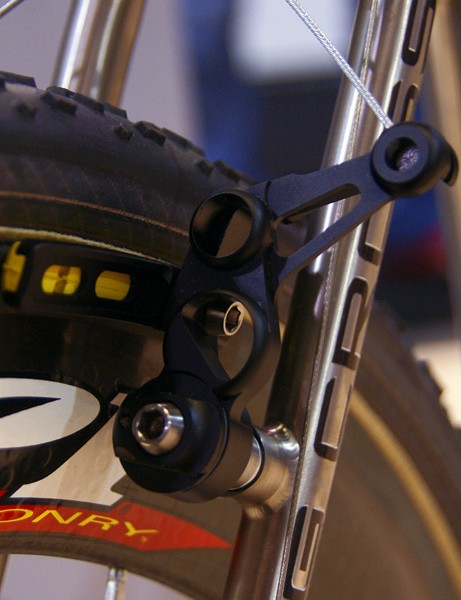 It's 'cross time, baby!Ciamillo Components, makers of the Zero Gravity line of road calipers, displayed these ultralight cantilevers.